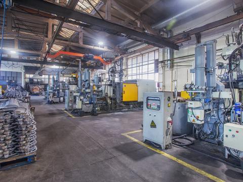high pressure casting 250 300 400 600 650 1000 tonnes 3.jpg
